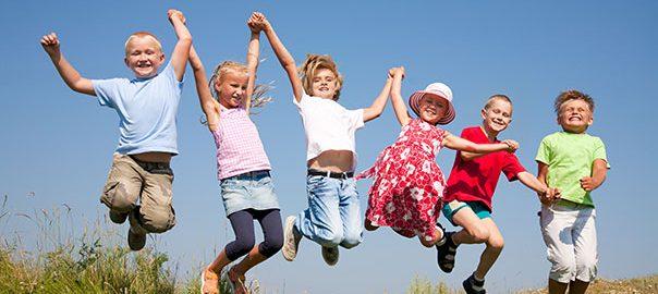 Copii în aer liber